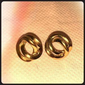 Vintage Monet gold tone stud airings